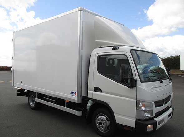 Fuso Canter caisse fourgon