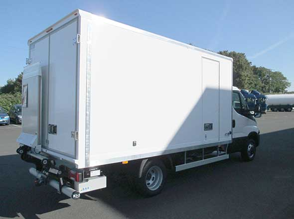 IVECO Daily demi hayon repliable